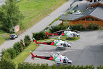 3 AS 350 B3e sur la Base de Bourg-Saint-Maurice (73) - Photo © Blugeon Hélicoptères