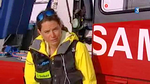 Kristina Höschlová interviewée devant l'EC 135T2 F-GVYM - Photo France 3 Alpes