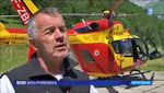 Interviewé Dr Pierre SALLERIN (Samu 65) devant l'EC 145 Dragon 64 - Photo DR