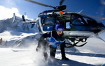Dépose d'un secouriste du PGHM par l'EC 145 F-MJDK Choucas 74 - Photo Discovery Channel