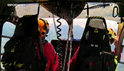 Pilote et MOB aux commandes de l'EC 145 Dragon 74 - Photo DR